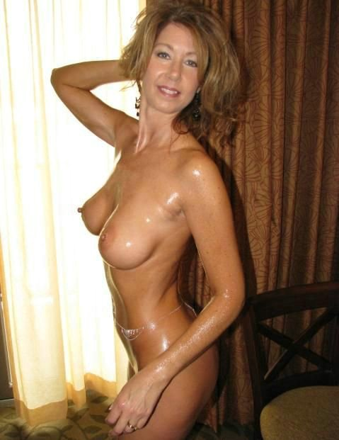 Nude sexy wife